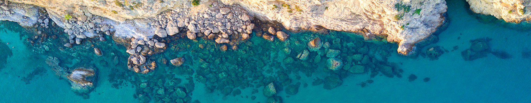 The beaches of l'Ampolla, paradise of blue tones and sea aroma
